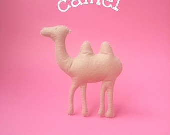 Felt camel toy Safari animal ornament Stuffed camel Baby toy Nursery toy Kids toy Children plush toy Camel brooch Camel magnet