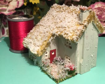 1:144 thatched , Snowy cottage, dolls house, N gauge,