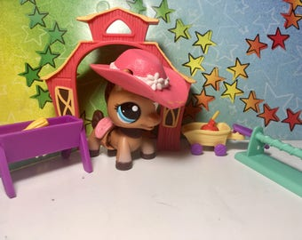 LPS Walkables Horse With playset and Accessories