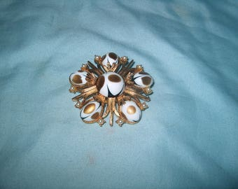 Vintage Costume Jewelry Pin, Marked Cathi
