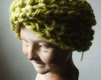Snood, neck or past-fitting, lime green alpaca wool and clear collection Simone de Beauvoir.