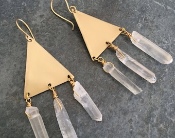 Raw Crystal Earrings, Raw Stone Earrings, Modern Boho Earrings, Gold Triangle Earrings, Quartz Dangle, Earrings, Geometric Earrings, Unique
