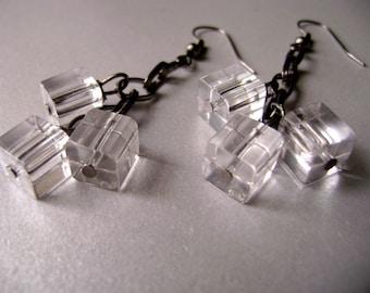 Dangle ice cube gunmetal chain earrings - Sparkles - Dark earrings dark gunmetal and glass cubes beads