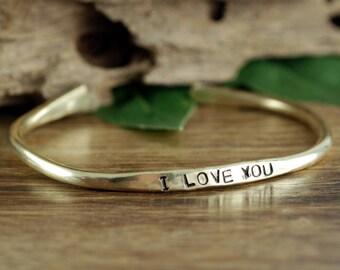 I Love You Mom Bracelet, Mothers Jewelry, Dear Mom I love you, Mama Bracelet, Mothers Day Gift, Gift for Mom, Custom Cuff, Mom Gifts