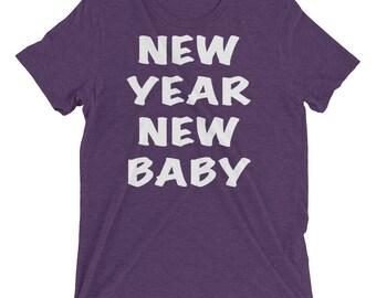 New Years Tee Shirt New Year New Baby Short sleeve t-shirt, maternity shirt, mom shirt, mom to be new years shirt, 2018 shirt,expecting baby