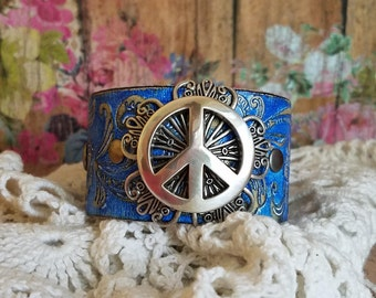 PeAcE Sign Concho Blue Leather Cuff Bracelet> Boho Bracelet/ Festival Jewelry/ Bangle/ Wristband/ Peace Sign/ Hippie Jewelry/ Retro/