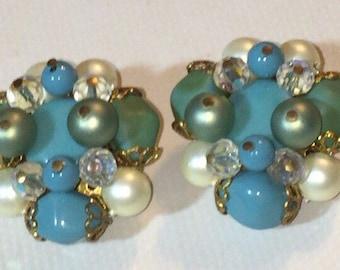 Vintage Park Lane Blue/White Cluster Clip On Earrings
