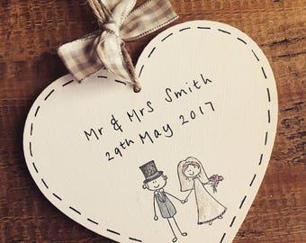 Personalised Wedding Gift Sign Present Mr & Mrs Bride/Groom Keepsake Date Name Husband/Wife