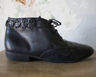 Vintage Black Leather Booties 80s 1980s - Braided Boots - 9