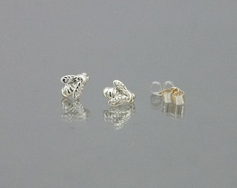 Bumblebee stud or pole earrings inspired by nature, in 925 sterling silver