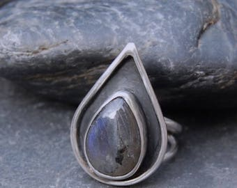 Handmade Labradorite and Sterling Silver Ring.