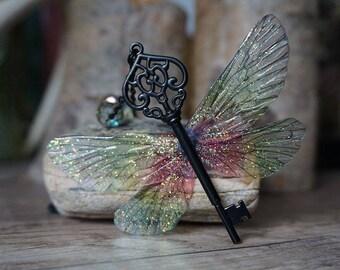 They Flying Key necklace - ombré grün/ rot