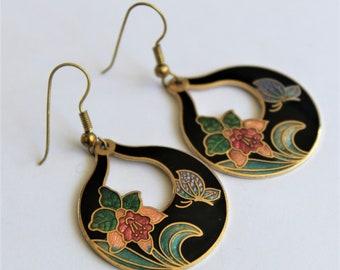 Vintage enamel earrings.  Flower earrings.