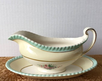 Johnson Brothers Windsor Ware JB18 Gravy Boat and Dish