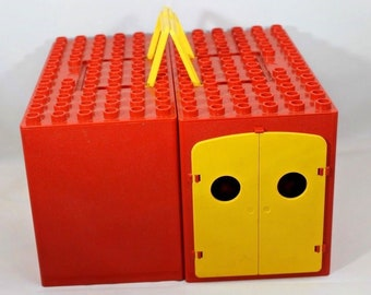 Duplo Lego Farm Red Barn Carrying Case Handles 1970s