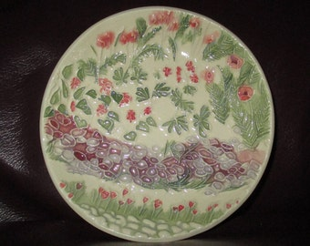 "Purple Posies and Wild Geranium Garden Wall Dish   5""                                       309"
