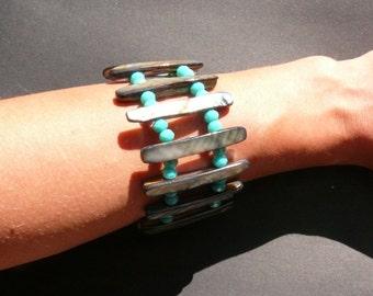 Shell Bracelet, Sea Shell Bracelet, Shell Jewelry, Beaded Bracelet, Gift For Her, Natural Sea Shell, Mother Of Pearl Bracelet