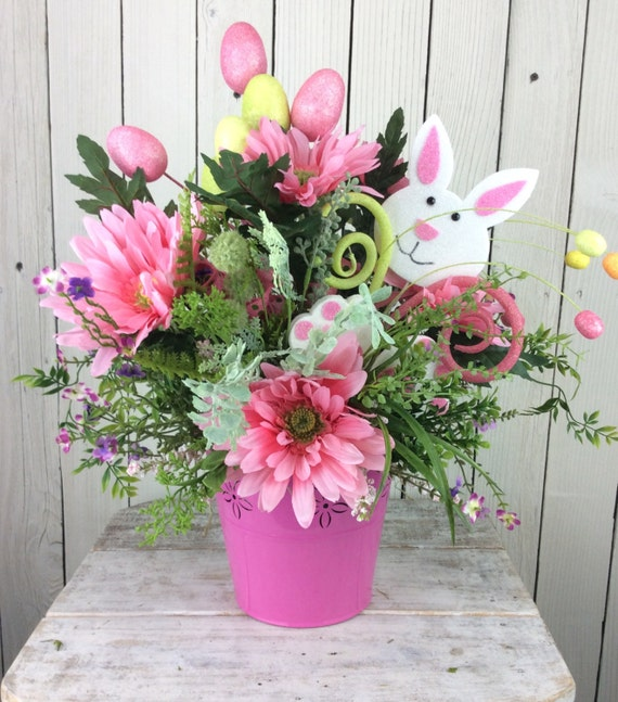 Easter centerpieces floral arrangement table