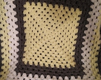 Crochet Baby Blanket, Pale Yellow, Grey and White