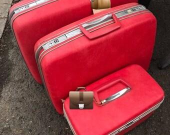 Samsonite 3 Pc. Suitcase and Train Case Set Vintage