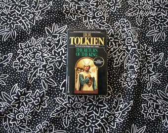 Lord Of The Rings Return Of The King By J.R.R. Tolkien. 1980s Vintage Paperback. LOTR Part Three. Vintage Lord Of The Rings Trilogy