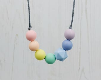 Teething Necklace, Pastel Rainbow, Breastfeeding Necklace, Rainbow Jewellery, Teething Beads, Sensory Necklace, Babyshower Gift, New Mum