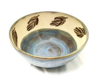 Ceramic Bowl in Blue and Brown with Leaf Design, Blue Ceramic Bowl with Brown Leaves, Ceramic Serving Bowl, Pasta Bowl, Fruit Bowl