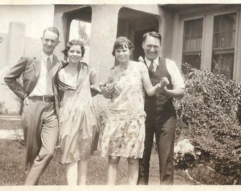 "Vintage Snapshot ""Double Date"" Attractive Teenage Boys & Girls Flapper Era Found Vernacular Photo"
