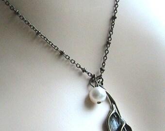 Brass Calla Lily Necklace, Pearl Necklace, Flower Necklace, Flower Dangle Necklace, Calla Lily Necklace, Elegant, Unique, Handmade