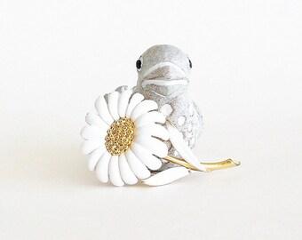 MONET White Daisy Enamel Brooch Pin