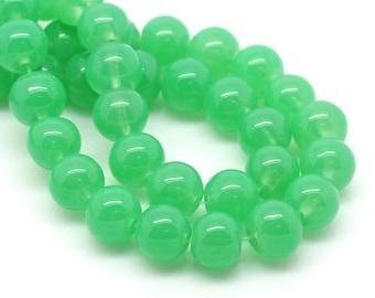 lot 5 8mm green glass beads