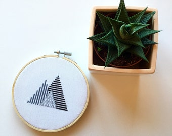 "Cross Stitch Monochrome Lines Geometric Mountain 5"" Hoop Art Wall Hanging"
