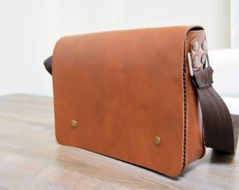 MensLeather Messenger Bag, Crossbody Bag, Mens satchel, Mens shoulder bag, Leather briefcase, Vegetable Tanned Leather Case