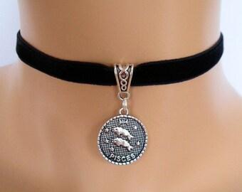 velvet choker, pisces choker, pisces necklace, stretch ribbon, black velvet, zodiac