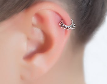 Beautiful tiny hoop earring. Ear tragus. Silver thin wire hoops. Cartilage earring. Helix earring. Helix Tragus.