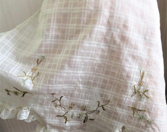Vintage 20 30s Frilly Apron, White Cotton with Embroidered Flowers, Lace Ruffle