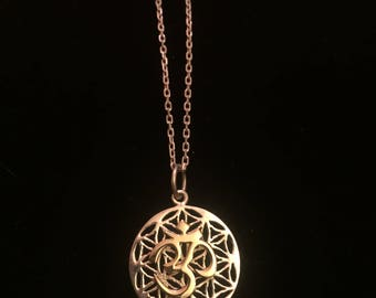 """Gold OM, Silver Flower of Life, 925 Silver Pendant & 17"""" Chain"""