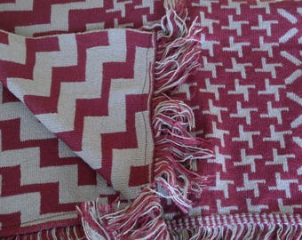 Geometrical Print Reversible Woolen Wrap