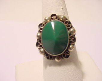 Vintage Mexico Green Stone Ring   2011 - 1909