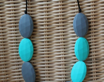 NEVADA, Turquoise/Grey. Teething necklace, great for babywearing and nursing