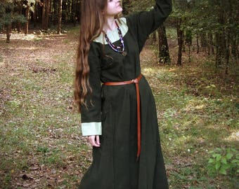Early medieval woolen dress, viking costume, reenactment