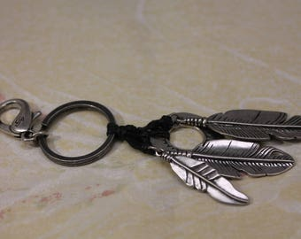 Nice Native American Style Keychain with Elongated Leaves