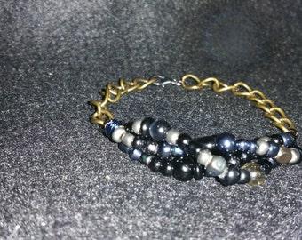 Black and Silver Twised beaded bracelet
