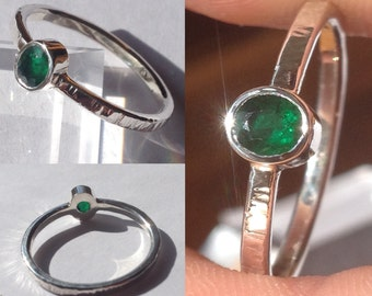 Natural Emerald Ring - Bezel set .32ct Brazilian Emerald from Bahia State - Size 9+  ~Hammered-finish shank all the way around!!!