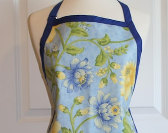 LAST ONE Waterproof Womens Plus Size Apron in Light Blue with Flowers