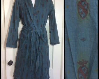 1950s Blue Cotton Shield royal crest Patterned Smoking Jacket Robe looks size Small beatnik boho