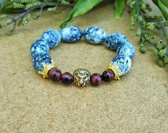 Mens Lion bracelet, mens bracelet, lion bracelet, mens beaded bracelet, red tiger eye bracelet, mens stretch bracelet, mens jewelry