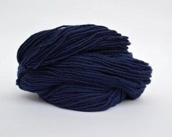 Navy Blue Weaving Yarn, Navajo Weaving Yarn, Wool Yarn, 4oz skein