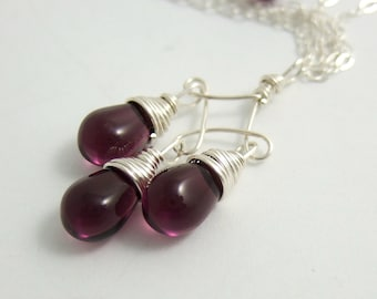 Necklace with Purple Glass Teardrops on a Twist Design CDN-587