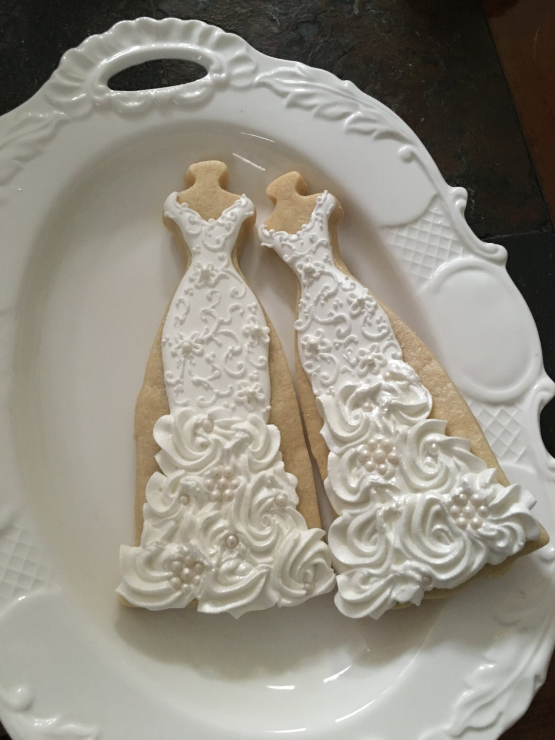 10 lace  rosette ruffles  and pearls gown cookies